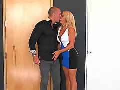 Bathroom, Kissing, Teen, Stepmom