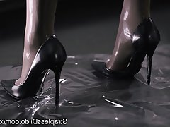 Cumshot, Latex, Pantyhose, Strapon